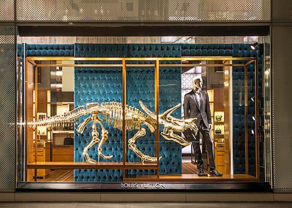 dinosaurs-louis-vuittons-maison-windows-2