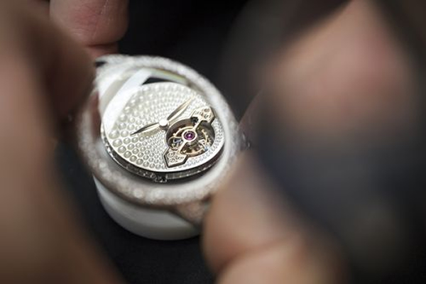 gp-cats-eye-jewelry-tourbillon-5