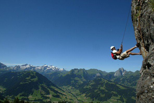 gstaad-palace-boot-camp-climbing