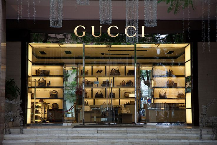 Gucci S Latest Window Displays Are Eye Catching
