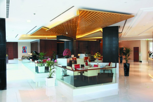 the-lobby-lounge-and-bar-oberoi-dubai