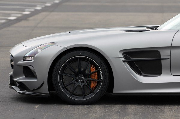 2014-mercedes-benz-sls-amg-black-series-10