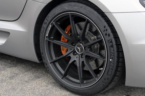 2014-mercedes-benz-sls-amg-black-series-11