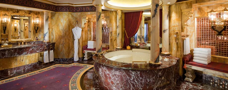 A look inside the opulently designed bathrooms at burj al for Burj al arab suite