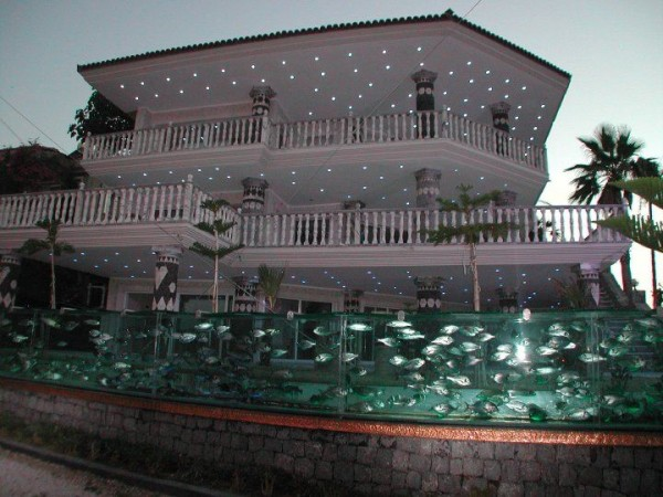 cesme-aquarium-fence-6