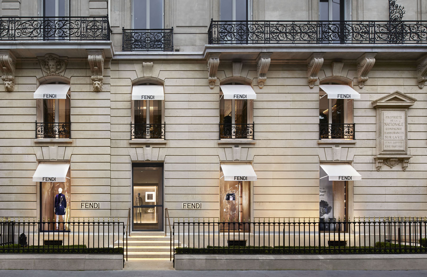 new fendi store opens at 51 avenue montaigne paris. Black Bedroom Furniture Sets. Home Design Ideas