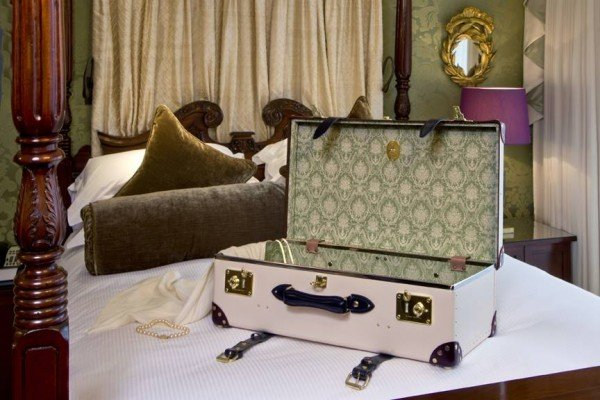 goring-hotel-luggage-collection-5