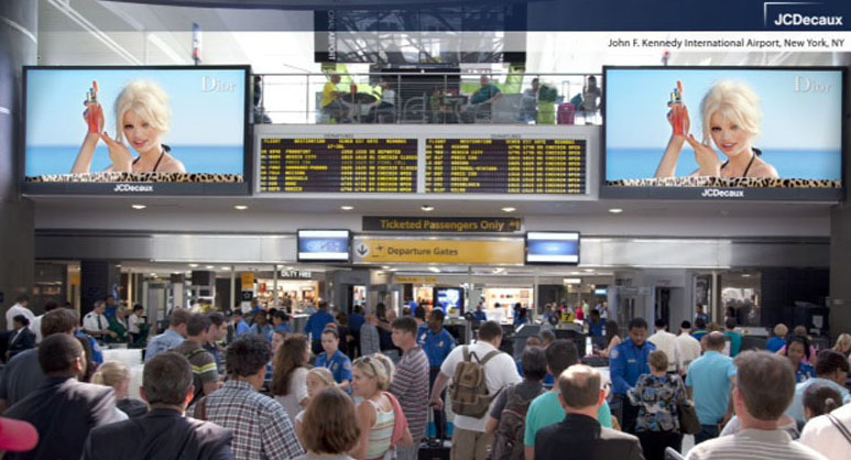 Lvmh woos travelers with large hd digital screens at new for Hotel at jfk terminal