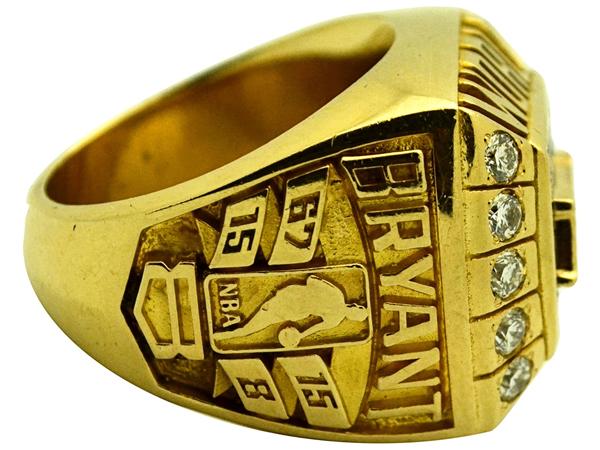 kobe-bryant-nba-championship-ring-3
