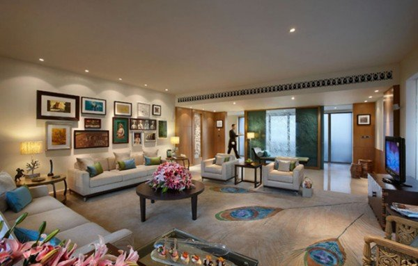 peacock-suite-formal-living-room