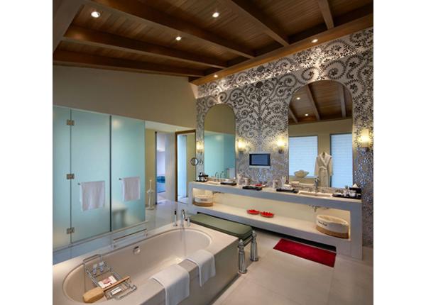 peacock-suite-presidential-suite-luxury-bath-upstairs