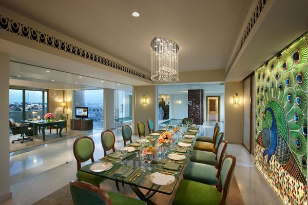 peacock-suite-private-dining-room