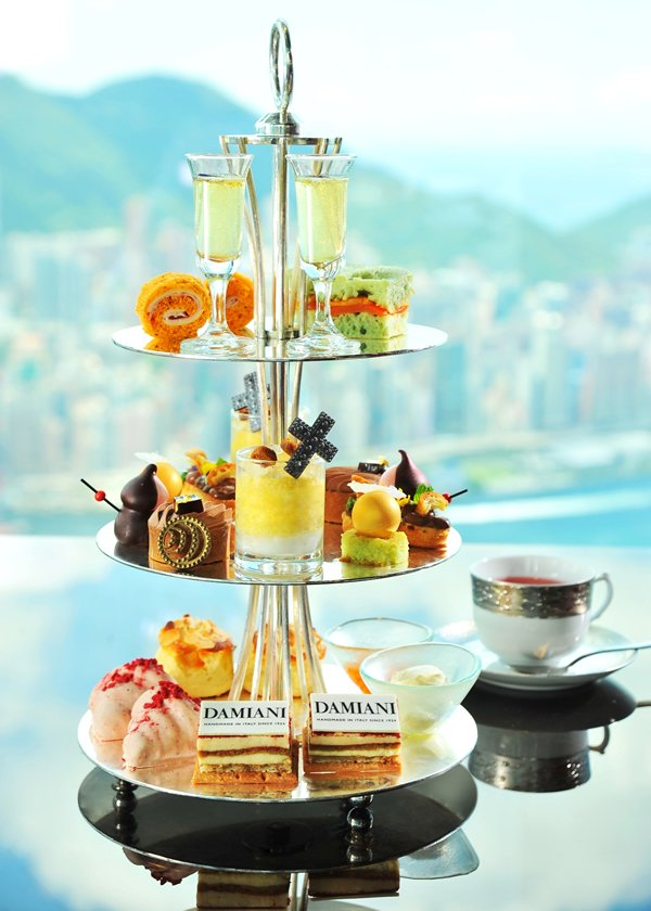 ritz-carlton-lounge-bar-x-damiani-tea-set-2