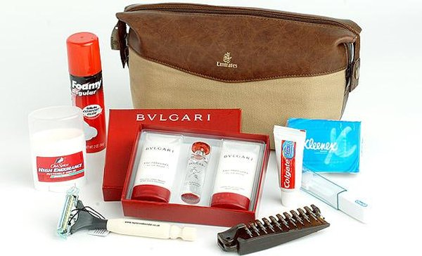 emirates-amenity-kit
