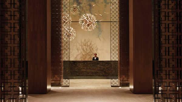 four-seasons-toronto-lobby