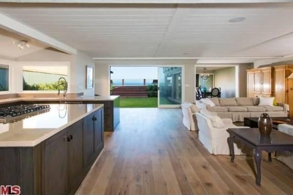 Sale Of Leonardo Di Caprio S Three Unit Malibu Mansion
