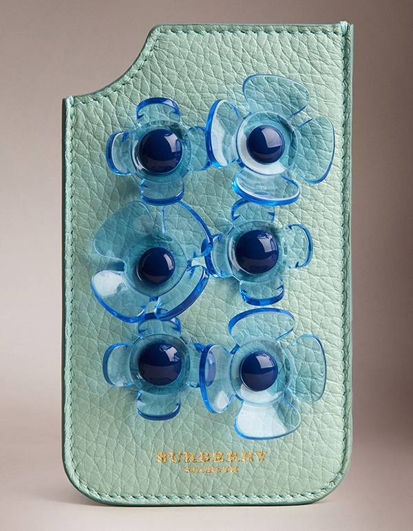 iphone-5-5s-case-in-deerskin-with-perspex-flowers