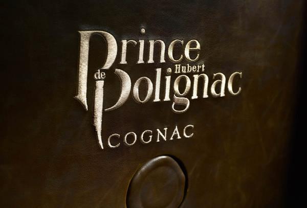 prince-knight-trunk-5