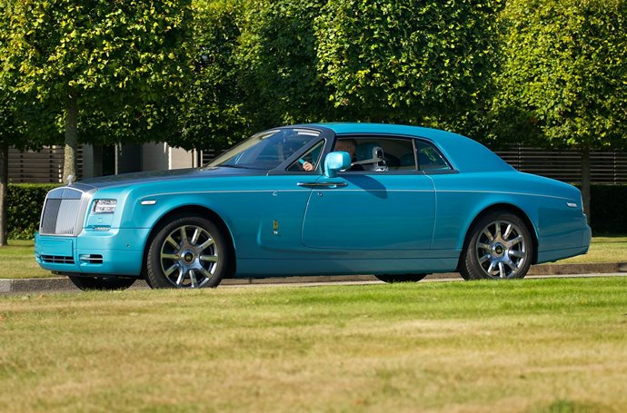 bespoke-ghawwass-phantom-coupe-3