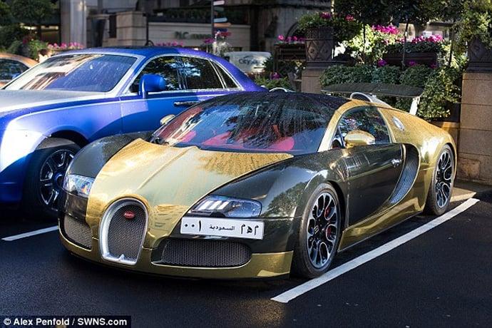 Gold Bugatti Veyron of a Saudi millionaire makes crowds go berserk in London : Luxurylaunches