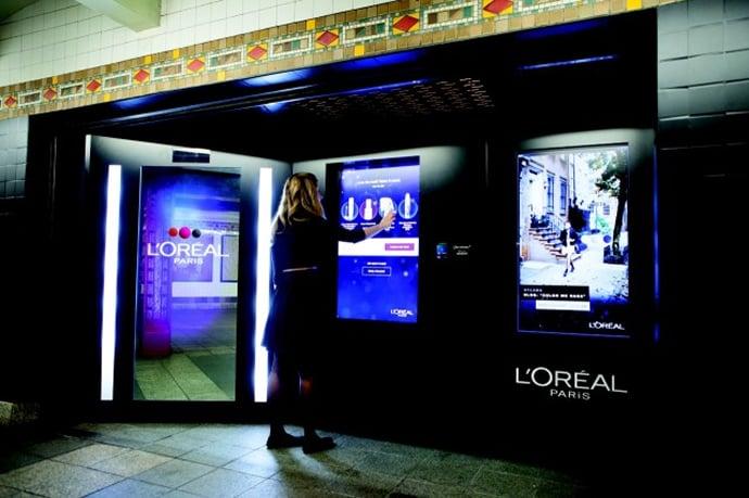 L Or 233 Al Installs Make Up Vending Machine At Nyc Subway