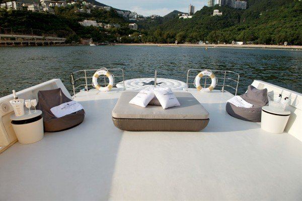 moet-chandon-ice-imperial-boat-2