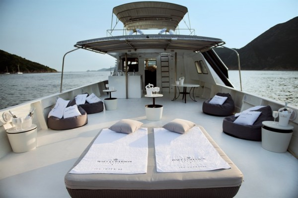 moet-chandon-ice-imperial-boat-4