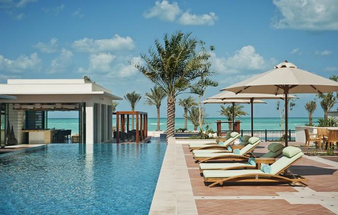 st-regis-sadiyat-iridium-outdoor-pool