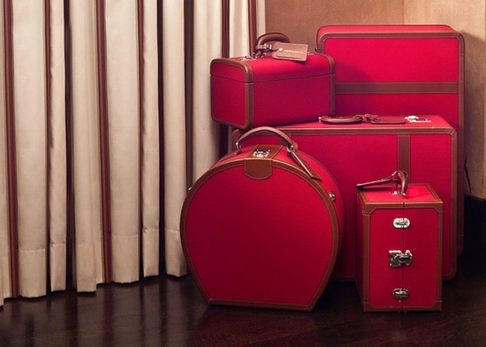 chatwal-red-suitcases-2