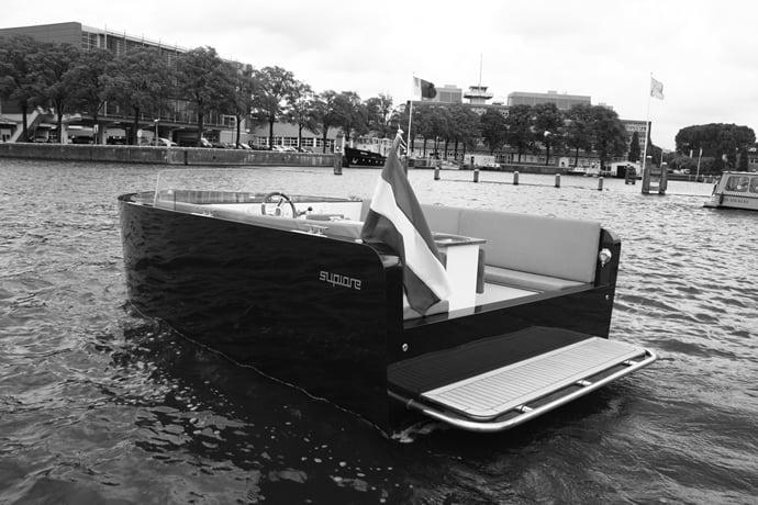 luxury-electric-yacht-2