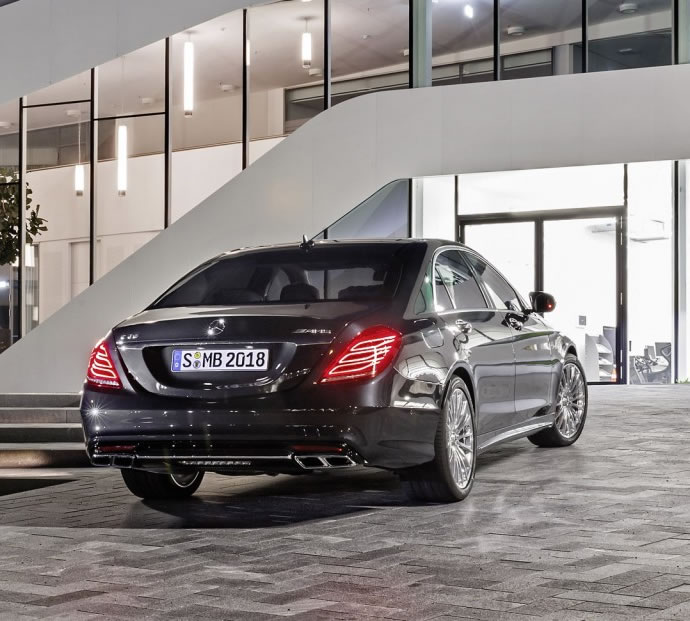 The 2015 Mercedes S65 AMG Fuses Cutting Edge Technology