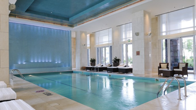 ritz-dubai-difc-indoor-swimming-pool