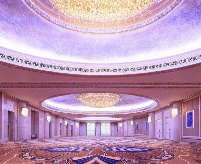 st-regis-abu-dhabi-al-mudhaif-ballroom-2