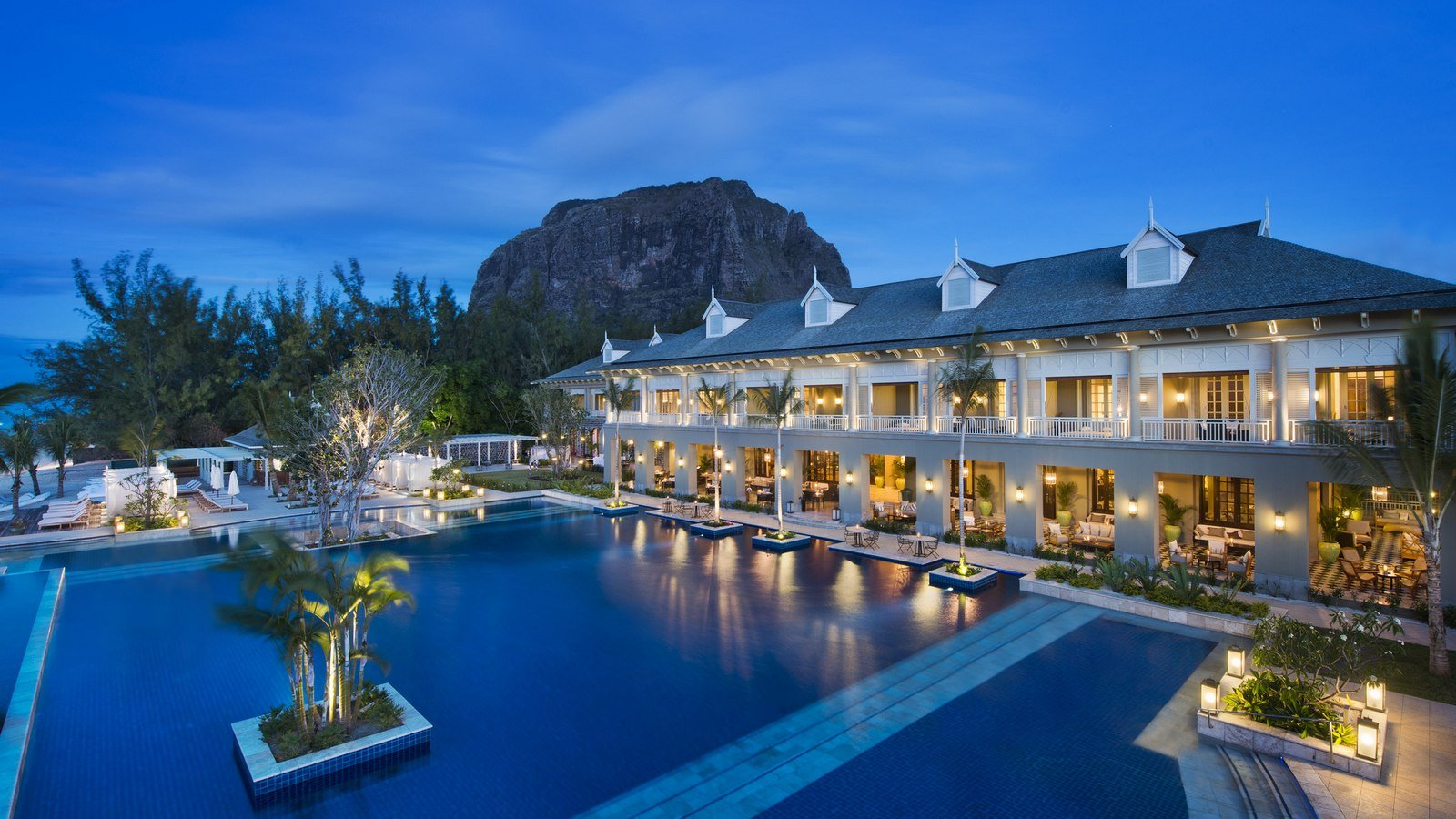 St regis mauritius unveils its 1600 sq m luxury villa for Luxury hotel accommodation