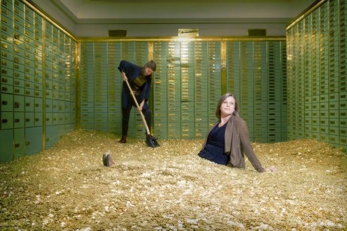swiss-bank-safe-money-2