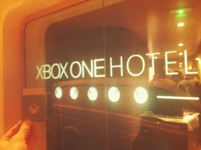 xbox-one-hotel-door