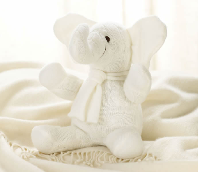 Layette Medium Cashmere Elephant