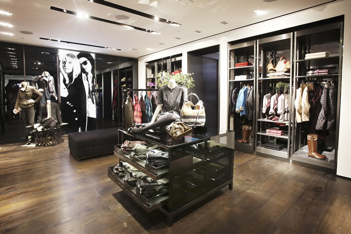 First Burberry Brit Store Opens In India With Musical