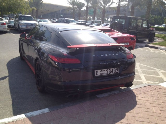 dubai-university-cars-13