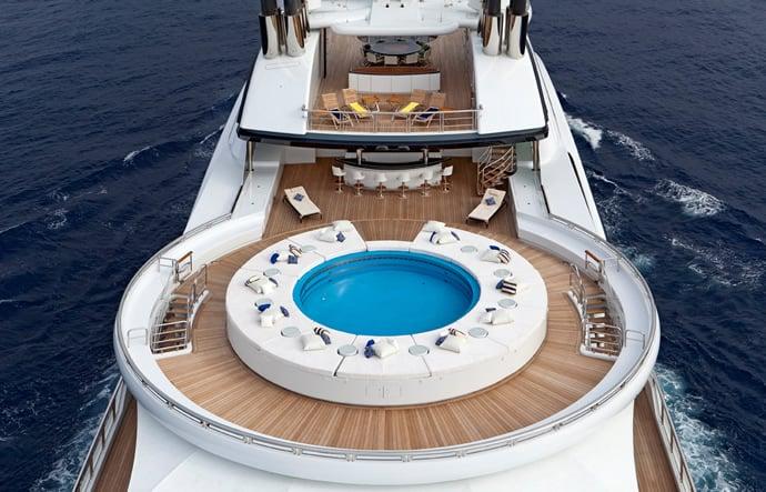 serene-yacht-2