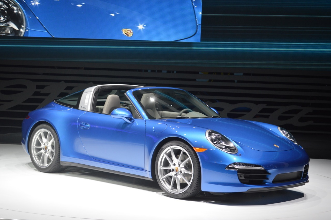 2014 Porsche 911 Targa Comes With A Classic Roof Design