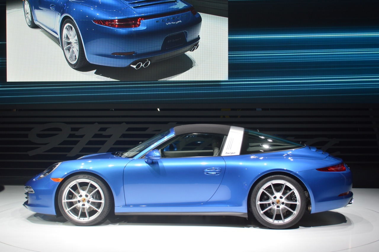 2014 porsche 911 targa comes with a classic roof design. Black Bedroom Furniture Sets. Home Design Ideas
