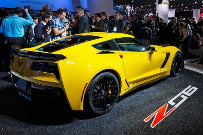 2015-chevrolet-corvette-z06-2