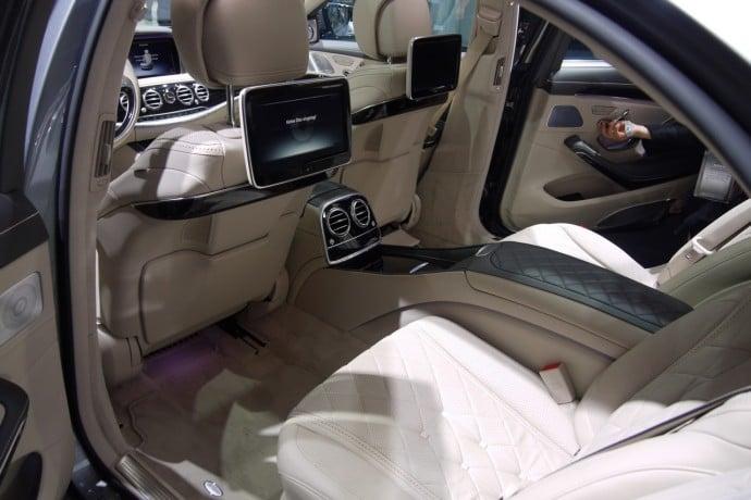 2015-mercedes-s600-v12-8