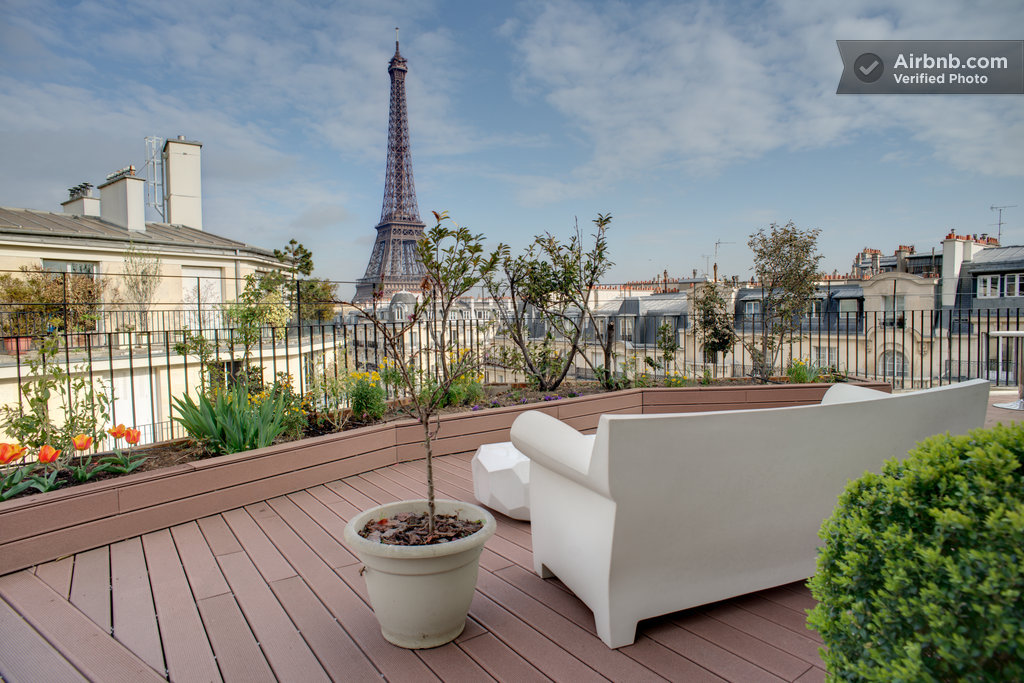 the 5 most luxurious and beautiful apartments available in paris on airbnb. Black Bedroom Furniture Sets. Home Design Ideas