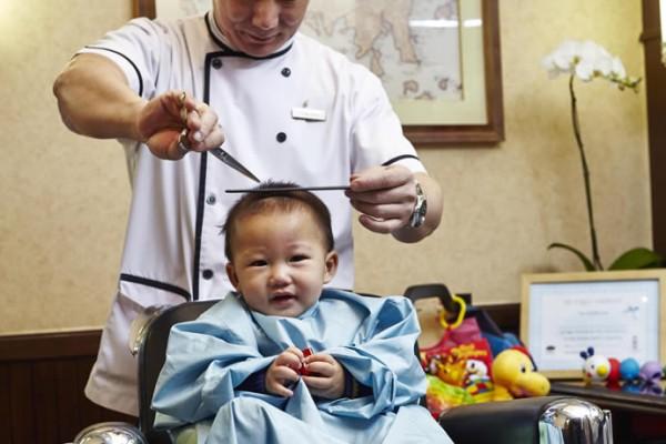 babys-first-haircut-1
