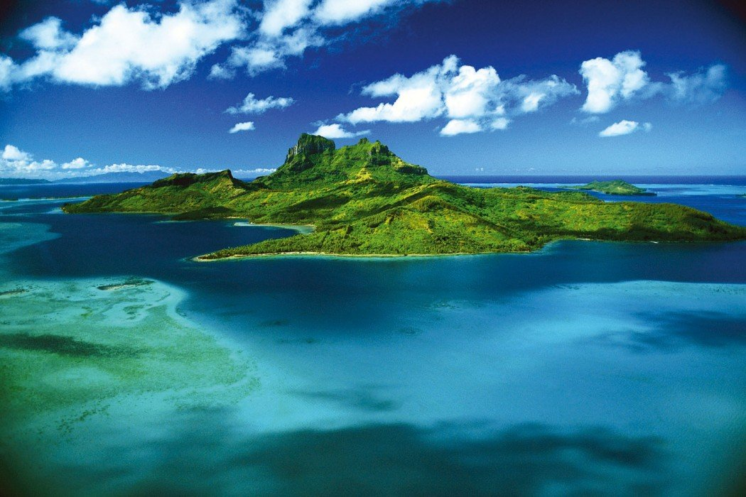 The top 5 luxury resorts on the blissful island of Bora Bora -