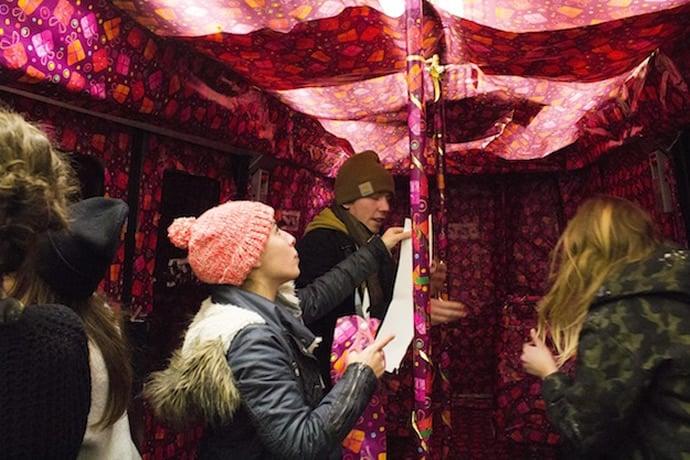 paris-metro-gift-wrapped-3