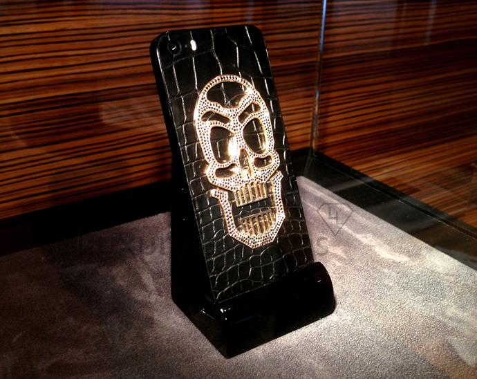 skull-edition-black-diamonds-iphone-5s-2