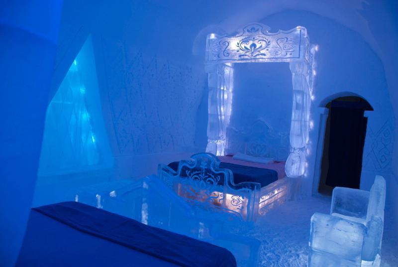 WALT DISNEY STUDIOS ICE ROOM